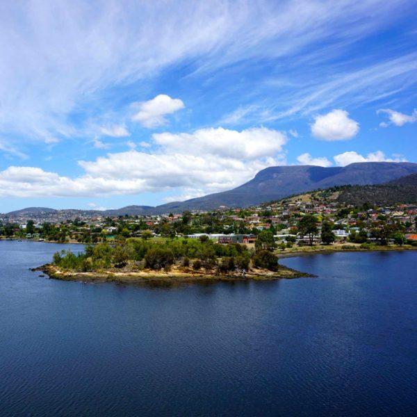 QUADRATA_ocean-view-of-hobart-tasmania-from-across-the-bay-at-mona_t20_wQ96aW